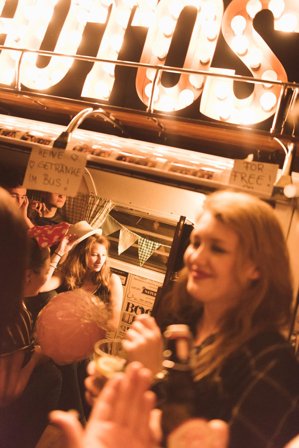 Rappel Voll Die Photobooth Im Photobus Bei Der Studi Party Wohnzimmer Konstanz Schatten