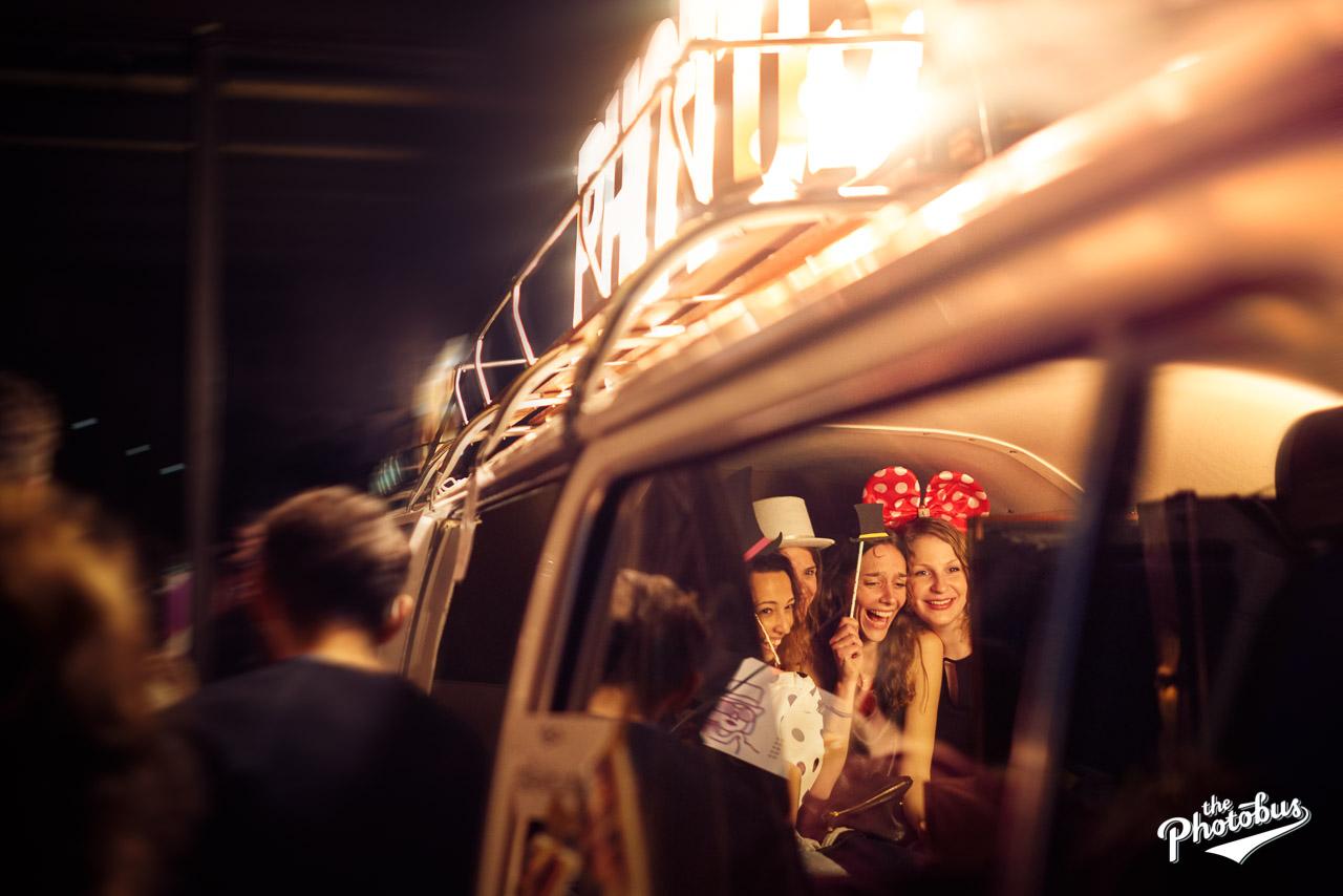 die Photobooth des Photobus in Aktion bei der Studenparty im Wohnzimmer Konstanz