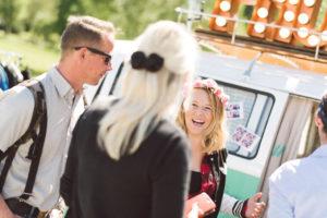 Gute Laune am Bus bei der Photobooth beim Vespa Club Event am Bodensee