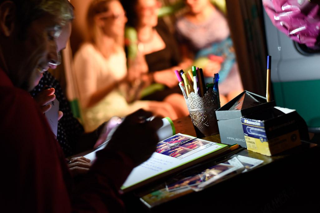 Photo Booth Bilder für das Gästebuch eine schöne Erinnerung für das Brautpaar