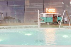 Eventhighlight Photobus beim Einsatz in der Bodensee Therme Konstanz Photobooth